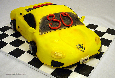Ferrari_birthday_cake_3
